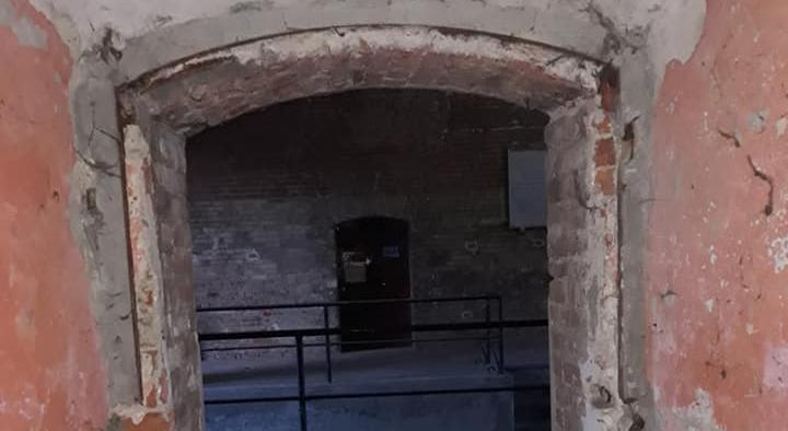Rubato un portoncino di ingresso dalla Cittadella di Alessandria