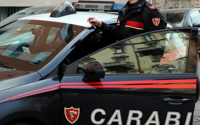 Due spari nella notte ferito un albanese