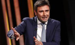 """M5s, Di Battista difende Paragone: """"È un vero grillino"""""""