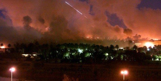 Missili iraniani colpiscono basi Usa: 80 morti, il petrolio schizza nelle quotazioni. È iniziata la guerra?