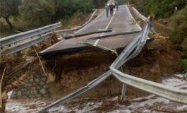 In Italia non abbiamo più produttori di auto e neppure autostrade agibili perché cadono a pezzi: andremo a piedi