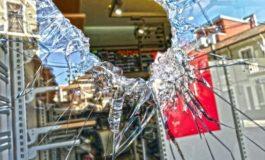 Omertà e paura dei residenti unite ad assenza delle forze dell'ordine: ecco il cocktail esplosivo del vandalismo in città