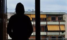 Stalking condominiale: denunciato un trentaduenne vercellese che, spesso ubriaco, era arrivato a terrorizzare i vicini di casa