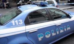 Rapina una coppia in strada e tenta la fuga con il malloppo ma è subito catturato e arrestato