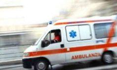 Grave ciclista settantunenne travolto da un'auto a Borgo San Martino: trasportato in codice rosso al Cto di Torino