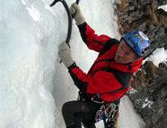 Alpinista cade da cascata di ghiaccio: gravissimo