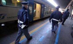 Doveva scontare una pena per detenzione e spaccio di droga: arrestato alla stazione di Alessandria. Nei guai anche tre stranieri a Novi Ligure