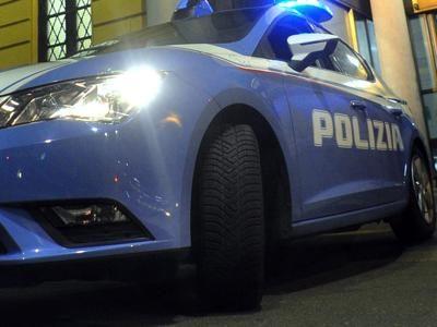 Controlli straordinari della Polizia nelle case popolari di via Verona: identificate venticinque persone