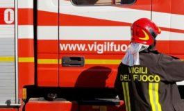 Perde il controllo dell'auto ed esce di strada ribaltandosi: morto un sessantanovenne di Stazzano