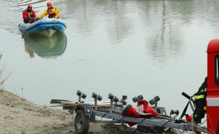 Recuperato un cadavere nel Tanaro all'altezza di Pavone: potrebbe essere dell'uomo scomparso nel fiume venerdì scorso