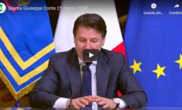 """Conte """"chiude"""" l'Italia (Video)"""