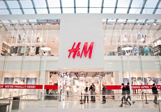 H&M, marzo a picco (-46%). E nuovi ordini congelati