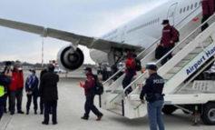 Sbarcati a Torino Caselle i ventidue medici volontari, uno arriverà in provincia di Alessandria