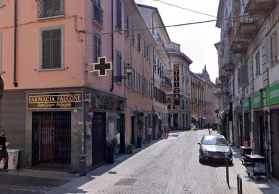 Rissa davanti alla farmacia di Via Milano tra due uomini che han fatto perdere le proprie tracce