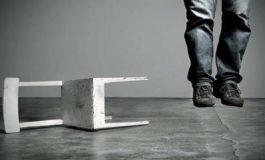 Suicidi e violenze: boom da quarantena