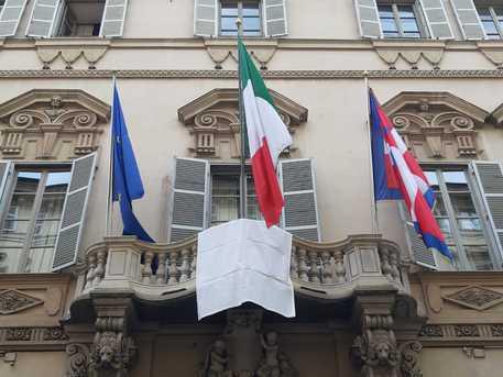 Strage Capaci, anche in Piemonte esposto un drappo bianco per la legalità