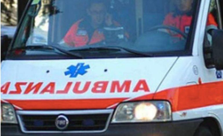 Schianto nel Torinese, morto un motociclista