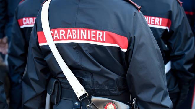 Lanciava la droga ai clienti che passavano in bici, arrestato diciannovenne a San Salvario