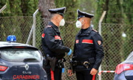 Sorelle gemelle trovate morte in casa nel Torinese, indagano i Carabinieri