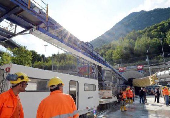 """Tav, in Val di Susa al via i lavori per rimuovere il """"panettone"""" di amianto che blocca una zona strategica per la Torino-Lione"""