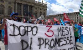 """""""Dopo tre mesi di promesse 0 euro ricevuti"""": a Torino protesta dei lavoratori degli appalti ferroviari"""