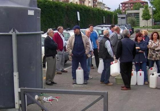 Novi, città sull'acqua, periodicamente deve ricorrere alle cisterne