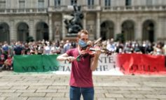 Teatro Regio, oltre duecento lavoratori davanti al Comune di Torino per dire no al commissariamento