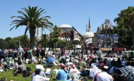 Prima preghiera islamica in Santa Sofia alla presenza di Erdogan