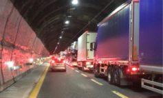 """Cantieri autostrade, il presidente della Regione Liguria Toti ha deciso: """"chiediamo i danni"""""""