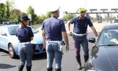 Vetture ammassate e non consegnate al centro di demolizione: quattro persone denunciate dalla Polizia Stradale di Acqui Terme