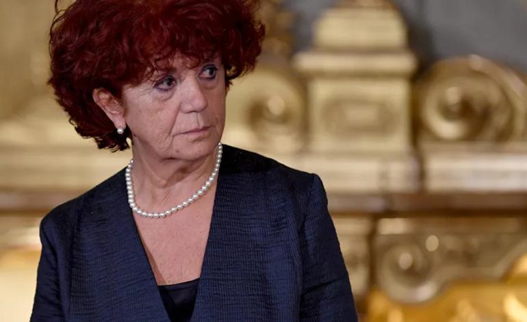 """""""Spiagge dell'Afghanistan"""": scivola anche sulla geografia l'ex ministra dell'Istruzione Valeria Fedeli"""
