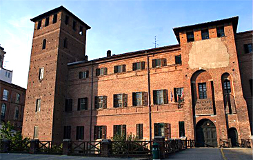 Case di riposo, bandi e gare d'appalto pilotati: oggi in tribunale a Vercelli l'udienza preliminare