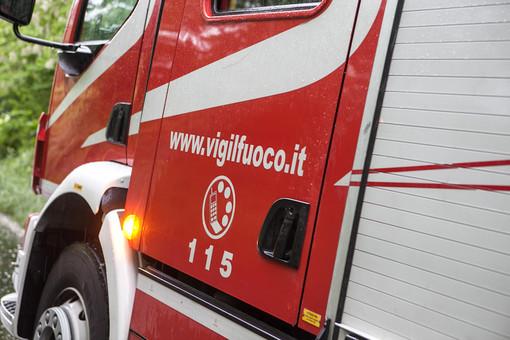 Borgosesia: mancano le ambulanze, donna in shock anafilattico salvata dai Vigili del Fuoco