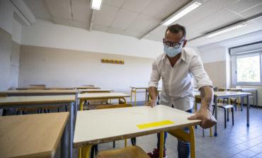 Nelle scuole test rapidi come negli aeroporti e chiusura temporanea se un alunno è positivo