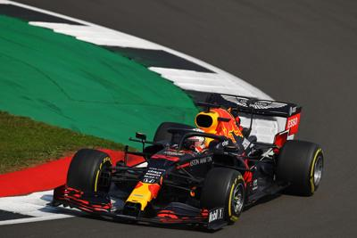 Gp Silverstone: Verstappen trionfa davanti alle Mercedes