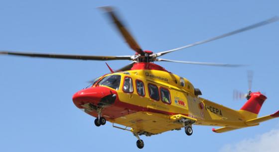 Bimbo di cinque anni cade dal balcone di casa a Revello, nel cuneese: illeso