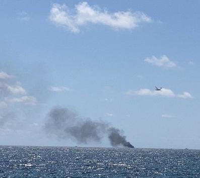 Esplode una barca al largo di Crotone: morti tre migranti, feriti due finanzieri