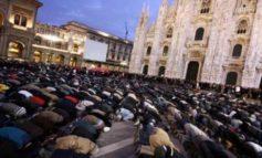 Immigrato magrebino entra in Duomo a Milano e fa inginocchiare davanti a sé un addetto alla sicurezza minacciandolo con un coltello (Video)