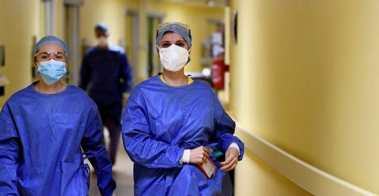 Medico col Covid19 passa i controlli all'ingresso dell'ospedale di Alessandria, ma ora è ricoverato in gravi condizioni