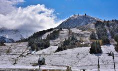 Con buona pace dei climatologi, il clima non cambia: prima neve in Piemonte, imbiancata Sestriere