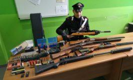 Arrestato per detenzione di armi rubate, denunciato il complice