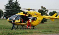 La frana non era segnalata dal Comune di Brignano Frascata e il fuoristrada è precipitato nel vuoto: morto un fungaiolo di 62 anni