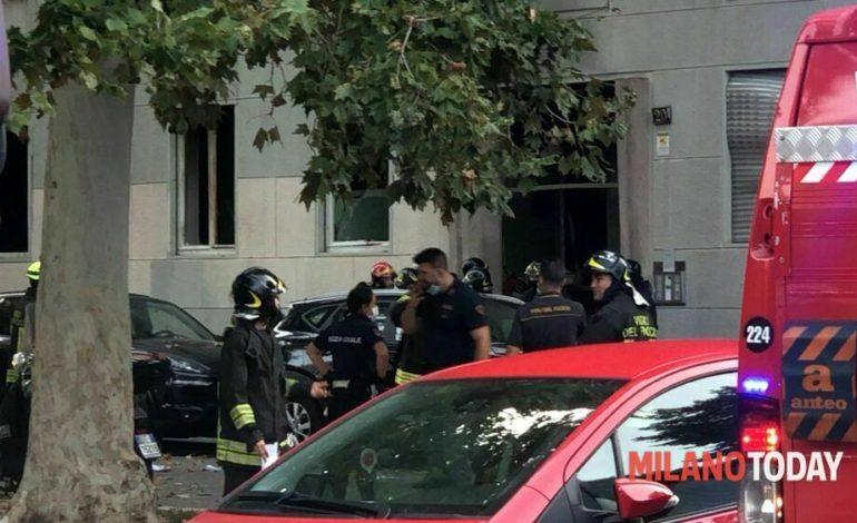 Milano, esplosione in un palazzo di Piazzale Libia: grave un trentenne