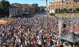 "I no mask in piazza a Roma: ""Governo di criminali assassini"" (Video)"