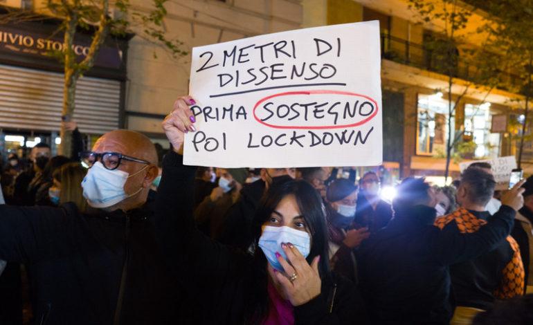In piazza contro le restrizioni, manifestazioni da Nord a Sud – Alessandria  Oggi