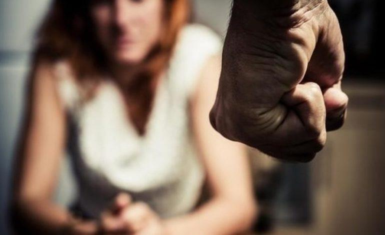 Marocchino violento picchiava la convivente: denunciato