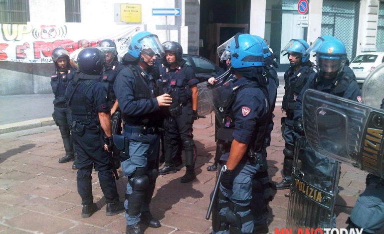 A Milano la caserma della Guardia di Finanza di Via Ramusio chiusa causa Covid19 (Video)