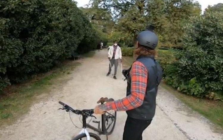 Se non porti la mascherina arrivano la Polizia, i Caramba, l'Esercito, la Guardia di Finanza, se spacci ai giardini arriva Brumotti in bici (Video)