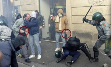 Achtung! Non facciamo casino: c'è un'unità dei servizi (Aisi) che fomenta i tumulti in piazza