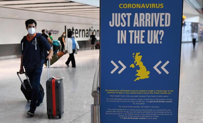 Coronavirus, Londra impone la quarantena per chi arriva dall'Italia